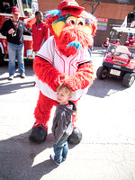 Gapper with little Reds Fan